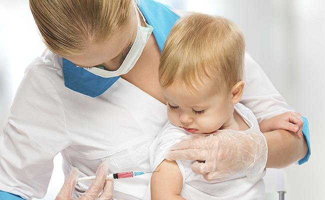 Tiêm vắc xin để ngăn ngừa các bệnh truyền nhiễm