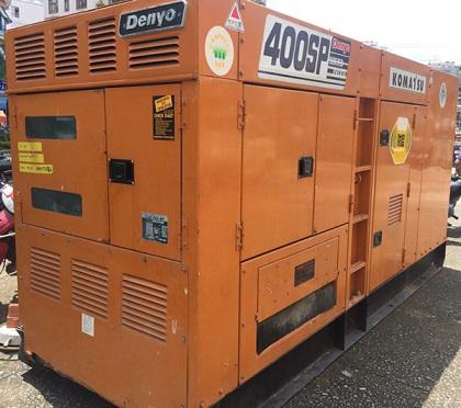 Máy phát điện 400kva Komatsu rất được ưa chuộng vì có hiệu suất cao, công năng mạnh vàtiết kiệm nguyên liệu